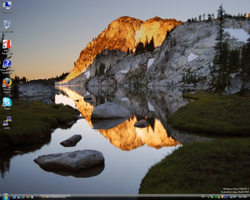 Windows Vista RC2 desktop screenshot